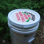 outdoor compost pail