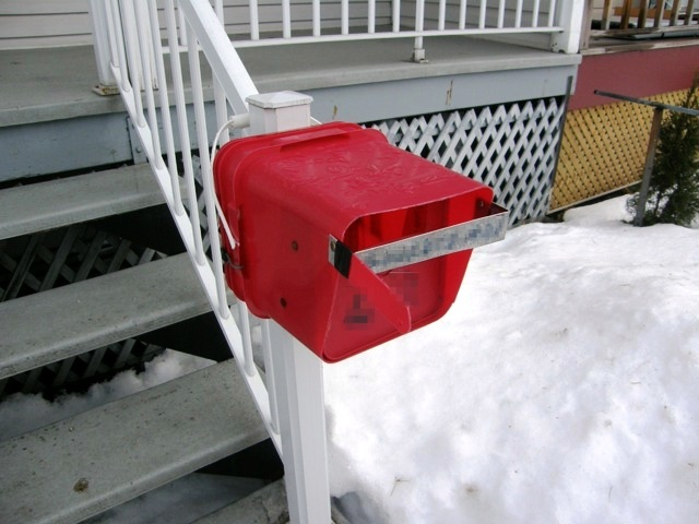 5 gallon bucket mailbox front