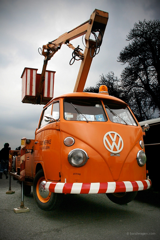 bucket-truck