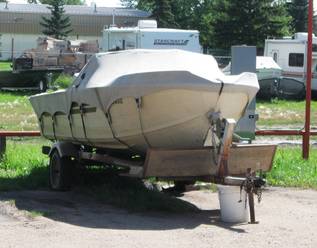 big-boat-on-trailer-block-bucket