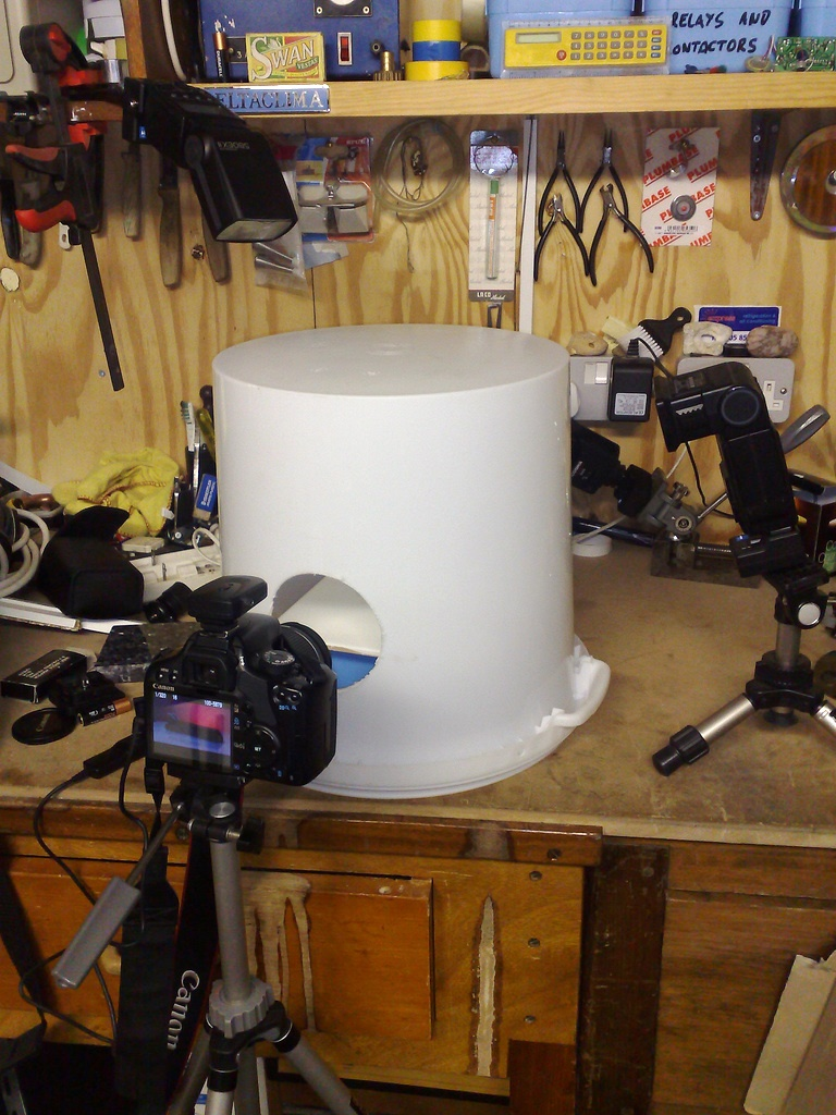 diy lightbox made from a 5 gallon bucket