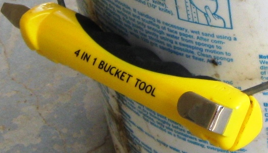 bucket-opener-and-multitool