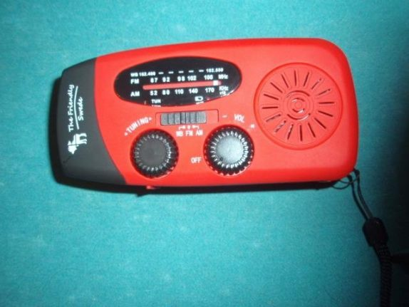 bug out bag radio flashlight hand crank device