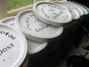 bucket lids with spray paint
