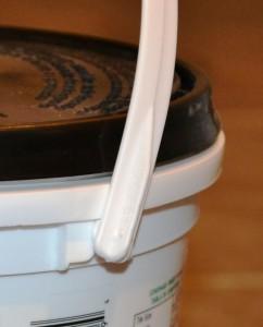 sealed bucket lid