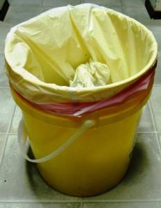 5 gallon trash can