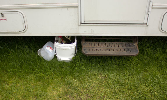 rv-apartment-recycling-bin-small