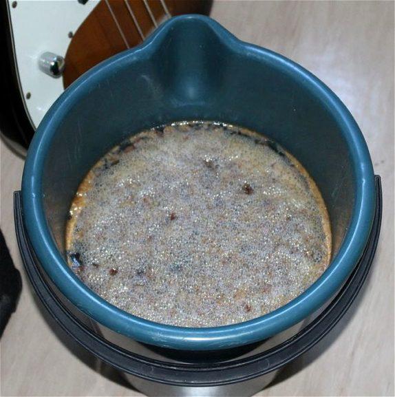 ginger beer yeast foam five gallon bucket ready